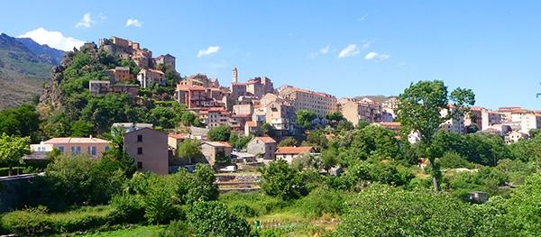 De populairste vakantie-eilanden voor kampeerders: Corsica