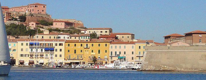 De populairste vakantie-eilanden voor kampeerders: Elba