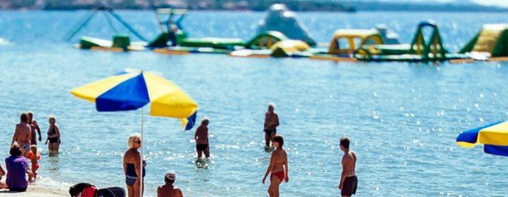 Groetjes van Ton & Lucia uit hét vakantiedorp aan de Kroatische kust