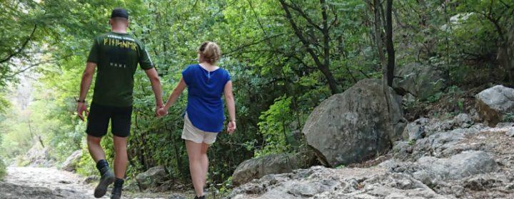 Ton en Lucia aan de wandel in Paklenica