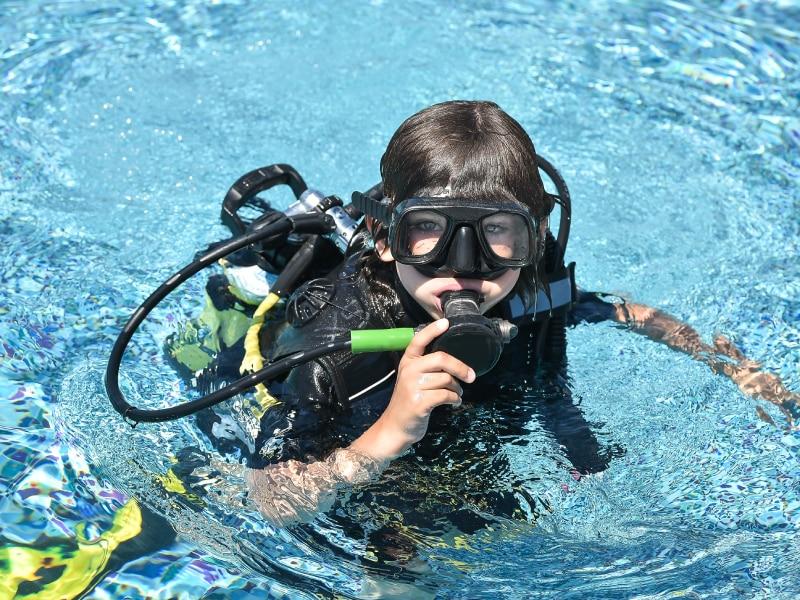 Met duiken ontdek je hoe het is om onder water adem te halen