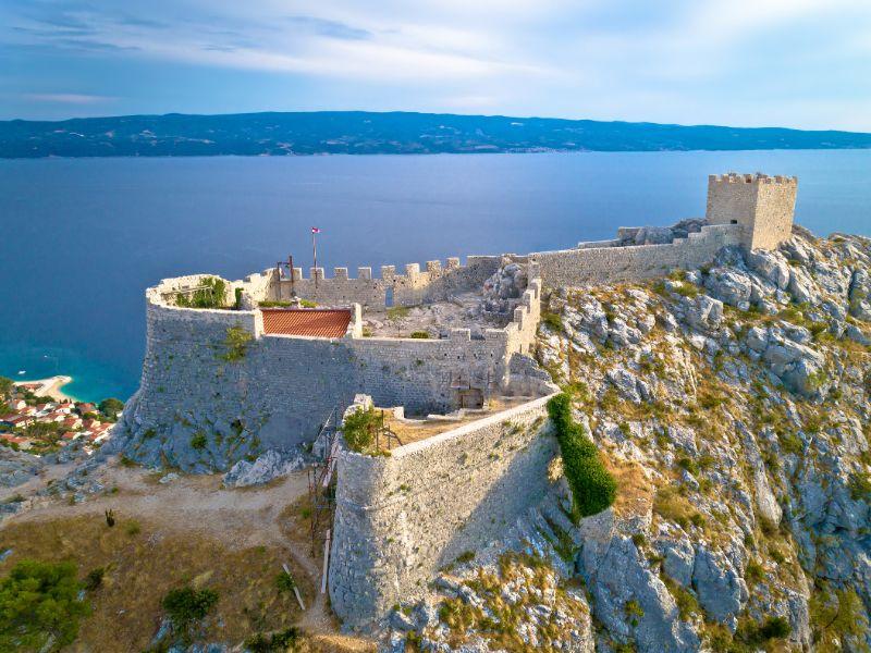 De ruïne van kasteel Starigrad.